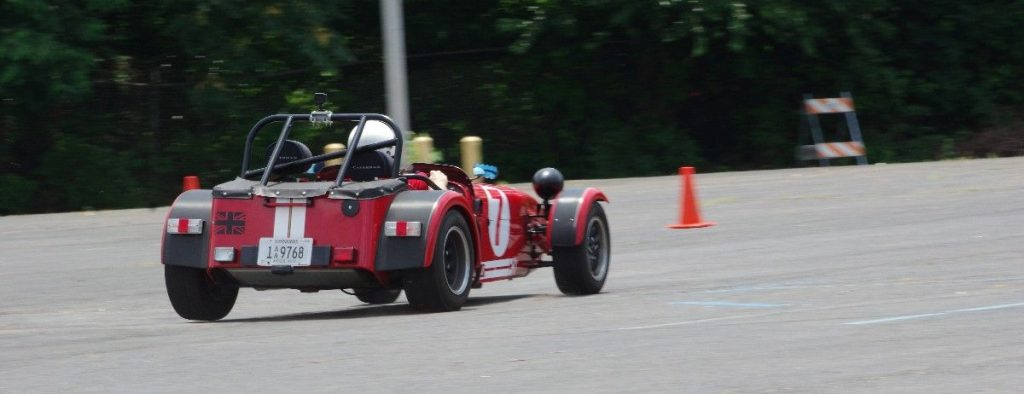 Caterham 7 lifting a rear wheel