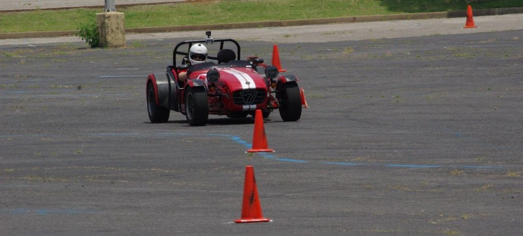 Caterham 7 going through the slalom at the SCCA autocross.